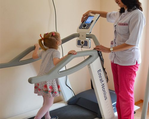 Should children practice treadmill